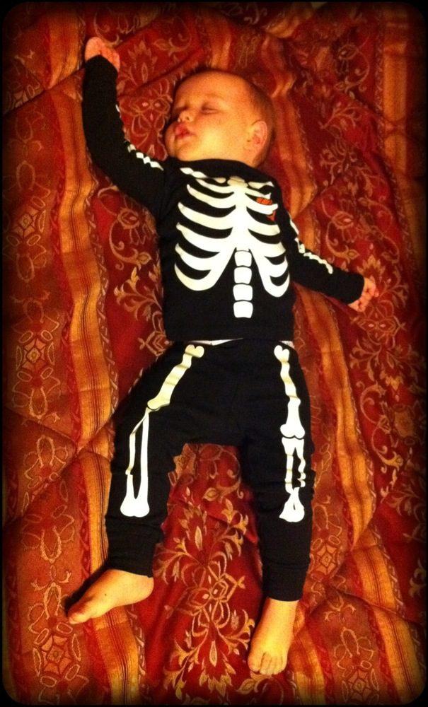 Daniel's glow in the dark skeleton pajamas!! Kristen outdid herself!!