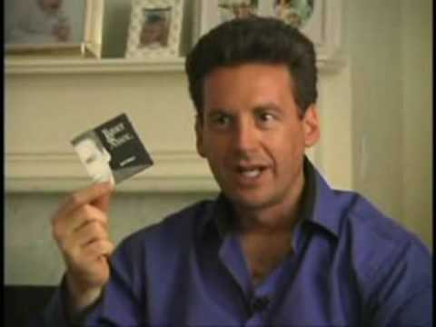 [video] Your business card is CRAP! This is so funny…